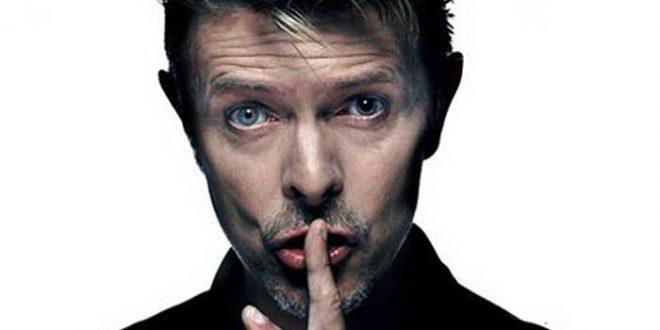 David Bowie lançou na última sexta-feira, 8, dia do seu 69° aniversário, o álbum Blackstar (Foto: Revista Esquire)