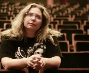 Produtora Joriana Pontes afirma que artistas vão lutar por reativação da Secretaria de Cultura.