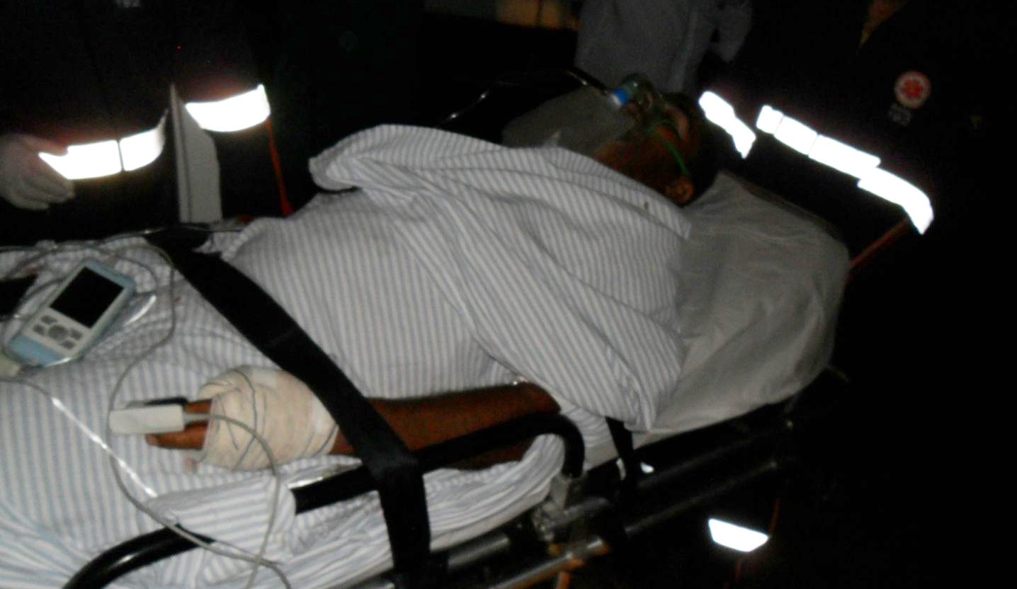 Vítima foi transferida pelo Samu para o Hospital Regional Tarcísio Maia (Foto: Mossoró Notícias)