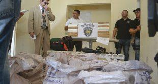 Delegado apresenta maior apreensão de drogas da história em Mossoró, com 300 kg de pasta-base para cocaína (Foto: Cacau).