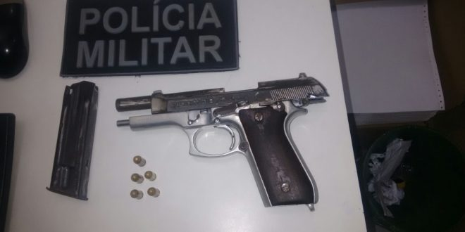 Arma foi localizada com o  acusado