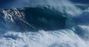 Mar agitado dificulta navegação