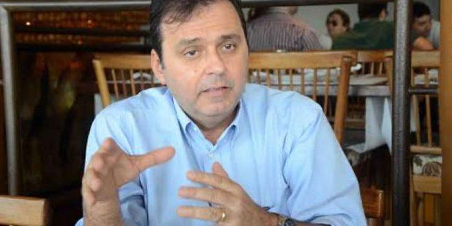 """EM NATAL – Sindicato acusa prefeito de descumprir acordo e deixar milhares de servidores """"passando fome"""""""