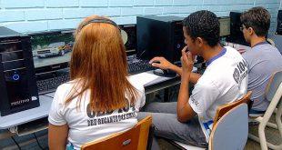 Projeto propõe a obrigatoriedade de acesso à internet para alunos do ensino fundamental e do ensino médio, das públicas e privadas (Foto: MEC).