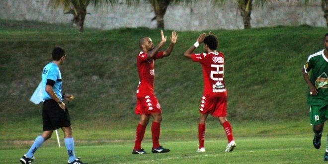 Jogadores americanos festejam vitória com goleada. (Foto: americadenatal.com.br).