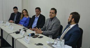 Promotores realizaram coletiva de imprensa para explicar Operação (Foto: Luciano Lellys).