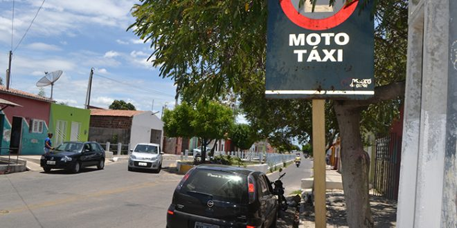 Pontos de mototáxi se transformam em referência para moradores do Santo Antônio