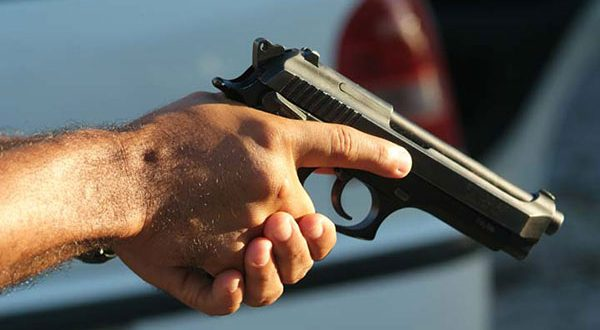 Violência letal com arma de fogo no Brasil atinge patamares comparáveis a poucos países da América Latina.