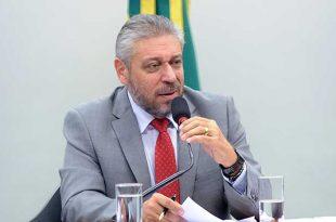 """O deputado Laudivio Carvalho (SD-MG) garantiu que fará tudo para chegar ao """"núcleo corrupto"""" do futebol."""