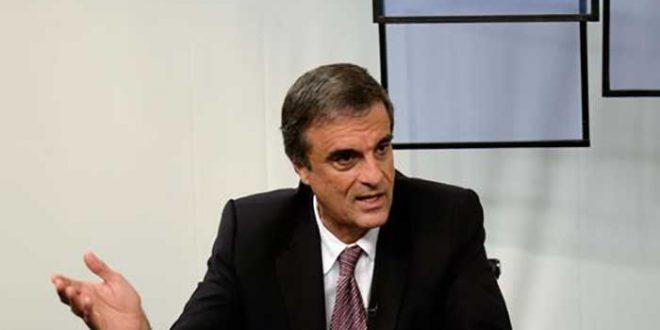 Antes de Cardozo iniciar sua fala, o presidente da comissão, Rogério Rosso (PSD-DF), informou que não seriam permitidas manifestações ou interpelações ao ministro.
