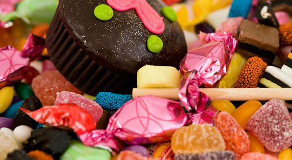 Consumo de doces é maior entre faixa etária de 18 a 24 anos .