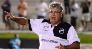 """Geninho: """"só um time foi ao ataque, contra 11 recuados"""". (Foto: abcfc.com.br)."""