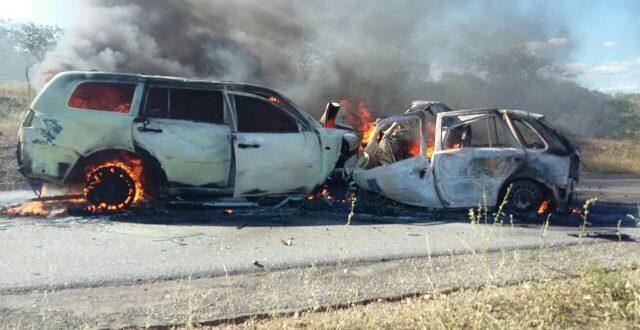 Na colisão da RN-117,veículos ficaram totalmente destruídos