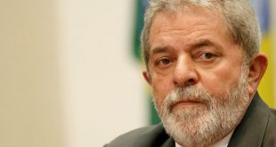 Ministério Público de São Paulo pediu a prisão preventiva de Lula sob a acusação de que o ex-presidente é o proprietário oculto de um apartamento tríplex no Guarujá (Foto: ABr).