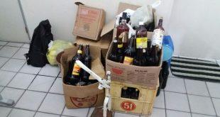 Material utilizado na falsificação de bebidas, apreendido com o suspeito