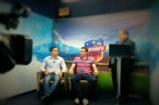 Paulo, no centro, quando era entrevistado no programa Esporte Legal