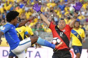 Time equatoriano fechou espaços na área e segurou empate. (Foto: globoesporte.com).