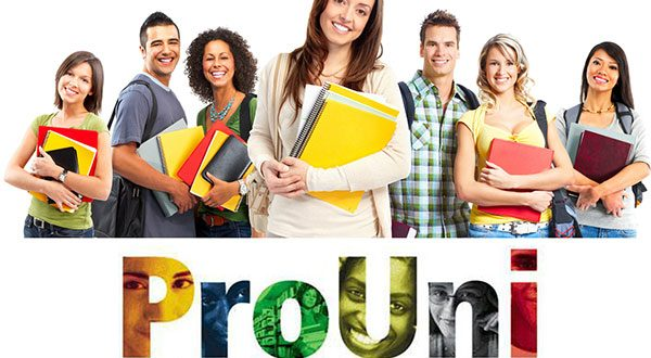 Programa oferece, para o segundo semestre, 125.442 bolsas em 22.967 cursos de 901 instituições de ensino superior (Foto: Divulgação).