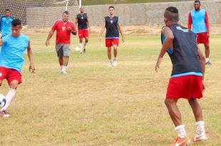 Time já voltou aos treinamentos para estreia. (Foto: Marcelo Diaz/ACDP).