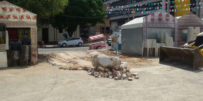 Prefeitura destrói muro na Estação das Artes.