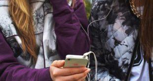 Maioria dos jovens, 62%, acha que seus amigos utilizam a internet de forma arriscada (Foto: PEXELS).