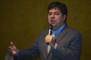 O ministro da Educação, Mendonça Filho, disse que o MEC discute um novo modelo para o Fundo de Financiamento Estudantil.  A reformulação deve garantir a sustentabilidade do programa e ampliar o número de vagas ofertadas - José Cruz/Agência Brasil