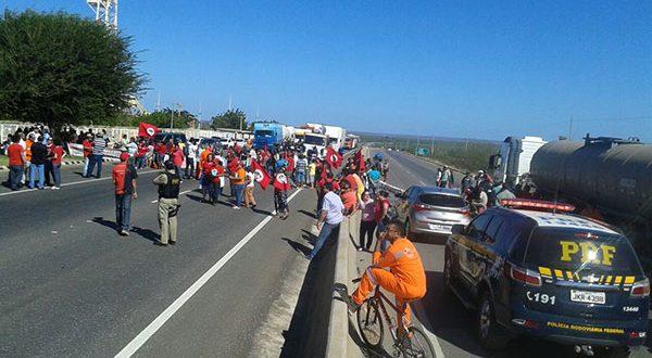 As mobilizações acontecem simultaneamente em todos os estados do Nordeste e no Espírito Santo (Foto: Luciano Lellys).
