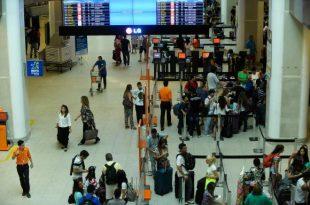 Entre as medidas, está a que prevê que todos os passageiros estarão sujeitos à revista física feita por agente do mesmo sexo (Foto: Agência Brasil).