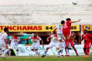 Alvirrubro supera barreira pernambucana e soma mais uma vitória. (Foto: Marcelo Diaz/ACDP).