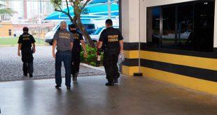 Na ação, a PF mobilizou 65 policiais e está cumprindo 13 mandados judiciais de busca e apreensão