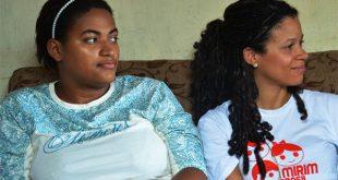 O espaço traz relatos de mulheres sobre incertezas e cuidados de bebês nascidos com microcefalia (Foto: UNFPA).