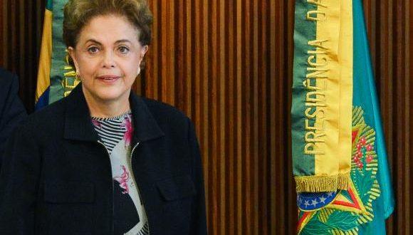 Dilma se defende no plenário do Senado nesta segunda-feira