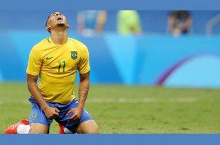 Por diversas vezes, o nome de Marta, a craque da seleção feminina de futebol, foi ovacionado pelos torcedores, em uma provocação à equipe masculina (Foto: Reprodução TV).