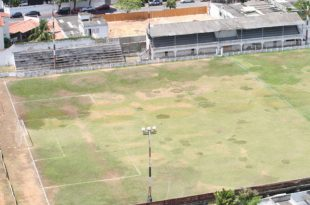 Situação de abandono do Estádio JL motivou decisão judicial. (Foto: Tribuna do Norte).