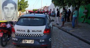 Manoel Francisco da Mota, de 57 anos, foi atingido por dois tiros (Foto: Passando na Hora).