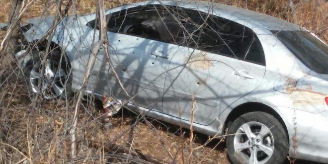 Carro foi atingido por mais de dez tiros