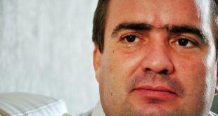 Flaviano Monteiro foi afastado por improbidade administrativa devido a não ter enviado documentos da prestação de contas do Município (foto: Santana Notícia).