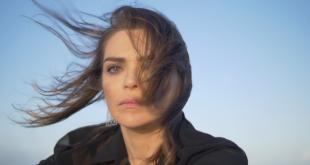 Curta conta com a atriz Titina Medeiros.