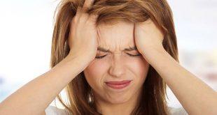 Ansiedade e sedentarismo contribuem para as crises de enxaqueca.