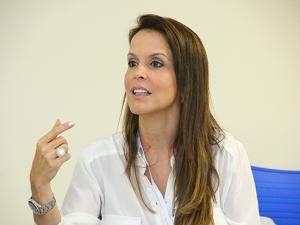 Julianne Faria