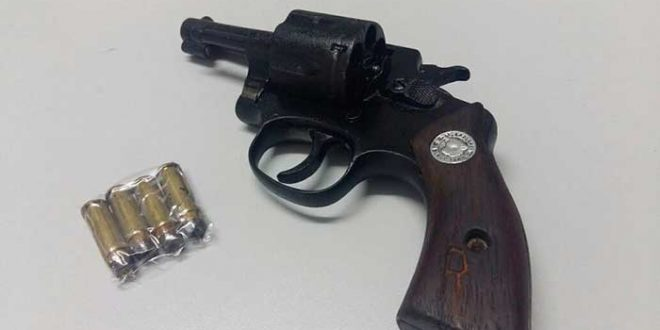 Polícia Militar detém dupla com motocicleta roubada e arma de fogo em Assu