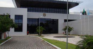 Ex-prefeito foi levado para a sede da PF em Natal