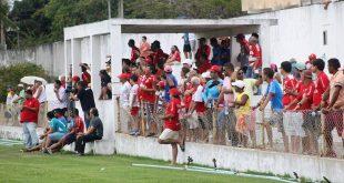 Torcedor americano fica desolado com mais um rebaixamento. (Foto: facebook América FC).