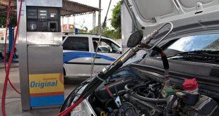 Por quilometro rodado, o motorista gasta R$ 0,19 usando o GNV. Com a gasolina, o gastos é de R$ 0,35 e de R$ 0,43 com o etanol.