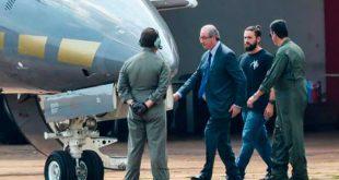 O ex-presidente da Câmara dos Deputados, Eduardo Cunha, embarca para Curitiba após ser preso pela Polícia FederalWilson Dias/Agência Brasil