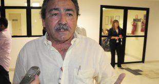 Deputado José Adécio saiu ferido apos luta corporal com assaltante