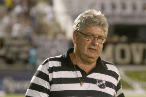 Geninho avisa, foi boa vitória, mas ainda falta um jogo. (Foto: Frankie Marconi/ABC FC).