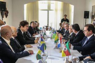 Brasília - O governador do DF, Rodrigo Rollemberg, reúne os integrantes do Fórum Permanente de Governadores.