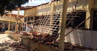 Medida foi tomada em razão do desabamento de parte do teto da Escola Estadual Manoel Justiniano de Melo na última segunda-feira (Foto: PM).