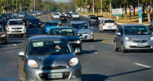 Atualmente, os motoristas que descumprem a lei recebem multa no valor de R$ 85,13 (Foto: Agência Brasil).
